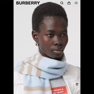 Authentic Burberry Scarf 🧣
